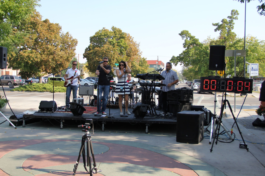Before attempt - Band performing during Unofficial Clock test